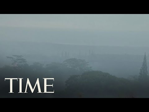 New Angle Of Hawaii's Kilauea Volcanic Eruption That Sent Ash 30,000 Feet in the Air | TIME