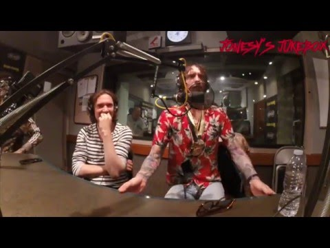 The Darkness In-Studio on Jonesy