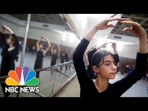 Art Persists In War-Torn Baghdad   NBC News