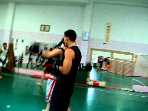 Muay thai gimnasio ken shin dojo zaragoza youtube for Gimnasio zaragoza