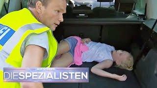 Gefahr im Hochsommer: Kind (8) im Auto vergessen? | Die Spezialisten | SAT.1 TV thumbnail