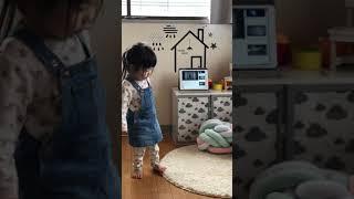 2歳児が踊る欅坂 『不協和音』 とっちゃんのなりきりダンス.