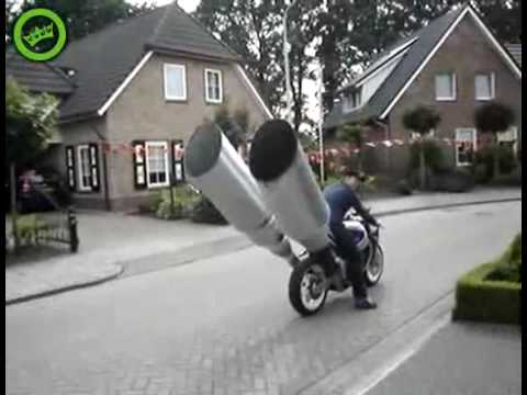 Mega pot d'echapement moto, Big exhaust pipe on a bike ...
