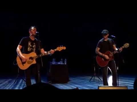 Blink-182 - Josie Live Acoustic Show London