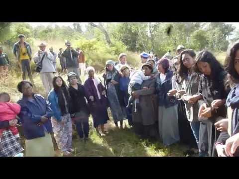 Madagascar, Women reciting Shema post mikva