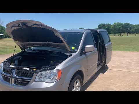 2013 SILVER /Black Dodge Grand Caravan SXT (2C4RDGCG2DR) with an 3.6L V6 DOHC 24V engine, 6-Speed Automatic transmission, located at 17760 Hwy 62, Morris, OK, 74445, (918) 733-4887, 35.609104, -95.877060 - Photo #0