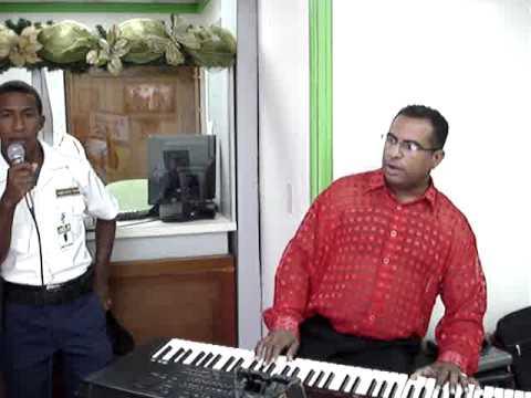 Vigilante Artista Santo Domingo.MPG
