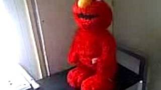 Farting Elmo (NO SOUND EFFECTS)