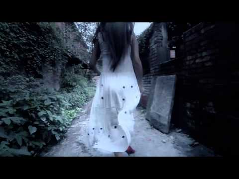 惊悚侵袭《裙子》 穿斑点裙子的女孩是谁?!