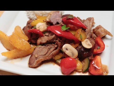 Gebratene Ente aus dem Wok mit Gemüse und Reis nach Anleitung von Chefkoch Thomas Sixt zubereiten