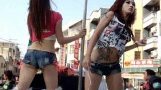 2012新化大目降十八嬈民俗活動-吉普車辣妹熱舞1 thumbnail