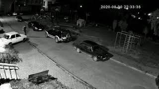 На Урале автомобиль проехался по подростку. Мальчик пытался остановить его голубим руками