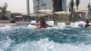 Мы веселимся в Burj Al Arab отель семь звёзд Парус Дубай ОАЭ(через YouTube Объектив., 2016-08-10T15:36:05.000Z)