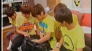 081209 Jonghyun's bag - Channel[V] Thailand Asian Hero