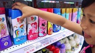 """Beli Perlengkapan Mandi Anak"""" di Supermarket! REMPONG BANGET Tapi Seru!!"""