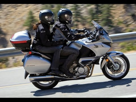 honda deauville nt 700 exhaust sound and acceleration youtube. Black Bedroom Furniture Sets. Home Design Ideas