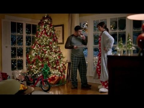tv commercial spot walgreens mom dad eating santas cookies at the corner of happy healthy - Walgreens Christmas Commercial