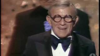 George Burns Wins Supporting Actor: 1976 Oscars