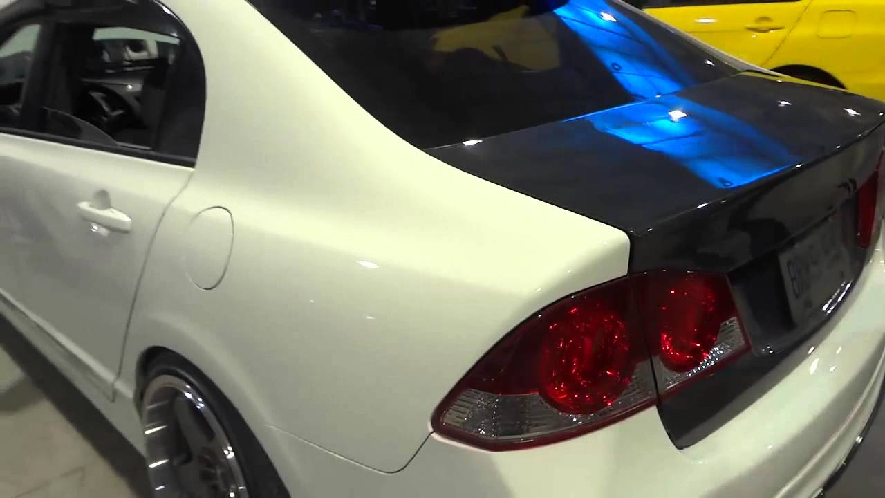 2006 Honda Civic Slammed Stretched Tires And Carbon Fiber Trunk You