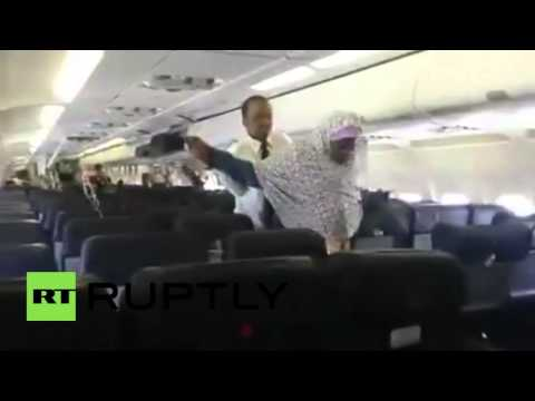 Somalia: Alleged bomb explosion on plane forces passengers to evacuate mid-air