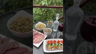 Как красиво подать закуски. Сервировка стола #рецепты #готовимбыстроивкусно #праздничный #стол #ужин