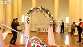 Невесте не повезло на свадьбе