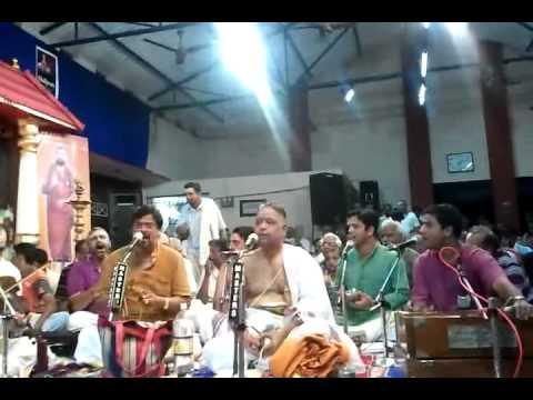 004 barsatha sathguru kripa  - Sri O S Thyagaraja Bhagavathar @ Kalpathy Bhajanotsavam 2011