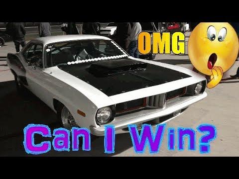 426 Hemi Cuda vs Dodge Charger Hellcat in a old school vs new school Mopar battle