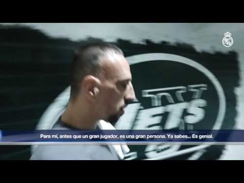 Zinedine Zidane and Karim Benzema meet Franck Ribéry!