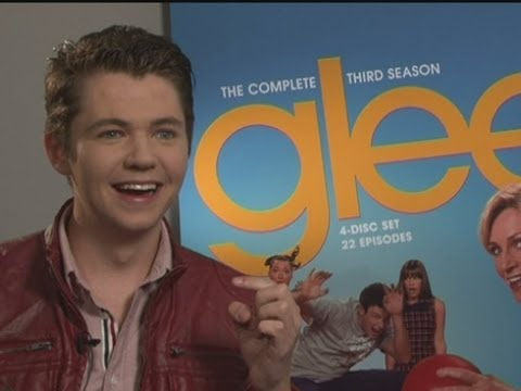GLEE: Damian McGinty, aka Rory Flanagan, dishes some behind-the-scenes gossip on filming and dating