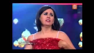Ven Baila Quinceañera - María Elena sorprende a Viviana - 28/12/2015
