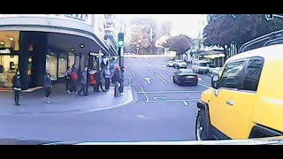 Bad driving in Auckland Traffic #1