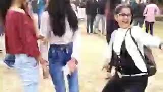 DU girls dance on lollypop lagelu