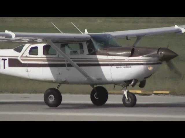 Cessna TU206G Turbo Stationair II take off from Sabadell Airport