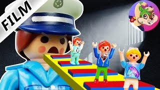 "Film Playmobile en Serbe/PRISON ESCAPE! STEFAN, EMMA ET ANA IN ""REAL LIFE""."