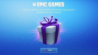 FORTNITE GIVES THESE FREE GIFTS!