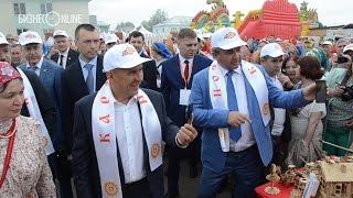 Рустам Минниханов побывал на русском народном празднике Каравон