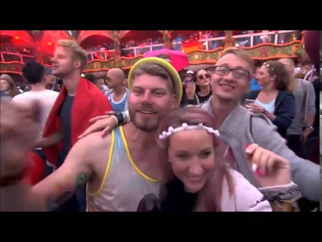 paul-kalkbrenner-sky-and-sand-live-tomorrowland-2015-delphino1000