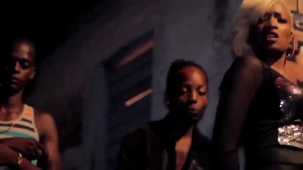 90s hip hop aaliyah fashion, Moss kate ferragamos fall campaign video