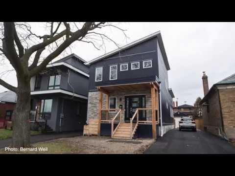 Time-lapse of modular-home home built in eight hours