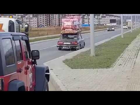 """В Южно-Сахалинске """"Волгу"""" до скрипа загрузили стройматериалами"""
