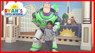 Amusement Park for Kids DisneyLand Family Fun Trip BuzzLight Year Disney Rides Ryan ToysReview