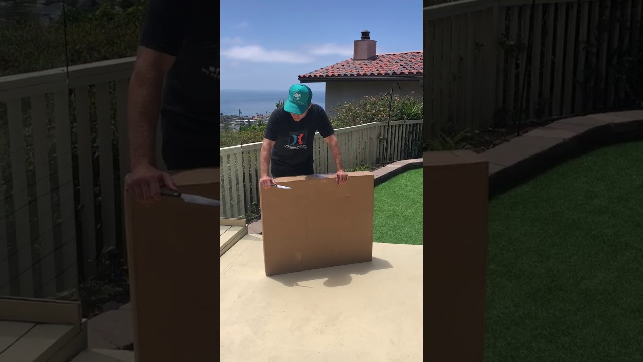 Unboxing The 8 Figure Club Award
