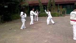 Latihan Di SDN 09 Cibubur   08 Des 2013