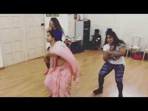 Vidya Balan Dance Shape Of You