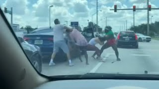Girls Fight on Road Due to Wrong Driving