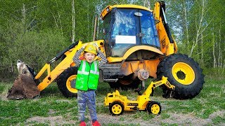 The Tractor Broken DOWN Funny Baby Ride on POWER WHEEL Tractor to Help Dad