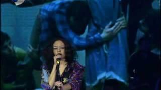 Yasemin Mori -Aslında Bir Konu Var (live)