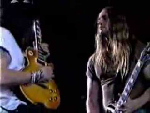 Slash and Zakk Wylde guitar duet and duel live