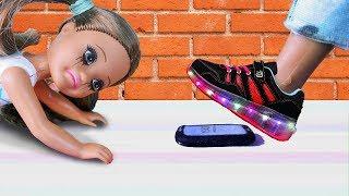РАЗДАВИЛИ ТЕЛЕФОН! Мультик куклы Барби